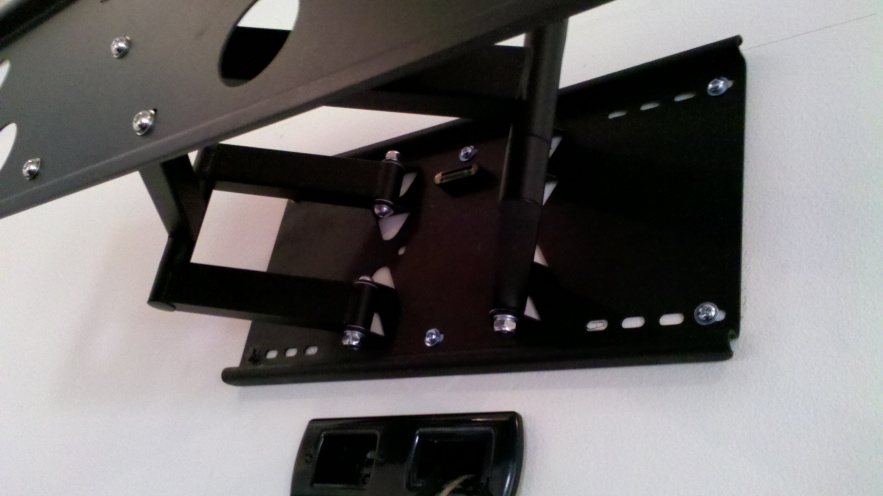 My TV Mount Was Installed Wrong, Please Help-messed-up-bracket.jpg