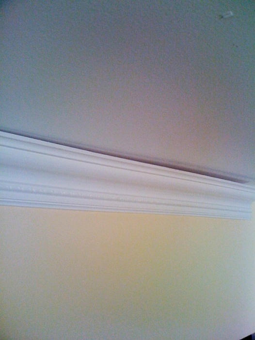 Crown Molding to ceiling gap question?-moldingpic1.jpg