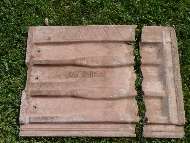 Fix Or Replace Roof Tile? Monier Cracked1 ...