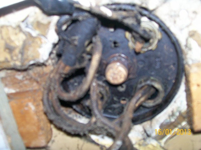 Old electrical ceiling wiring-new-pics-004.jpg
