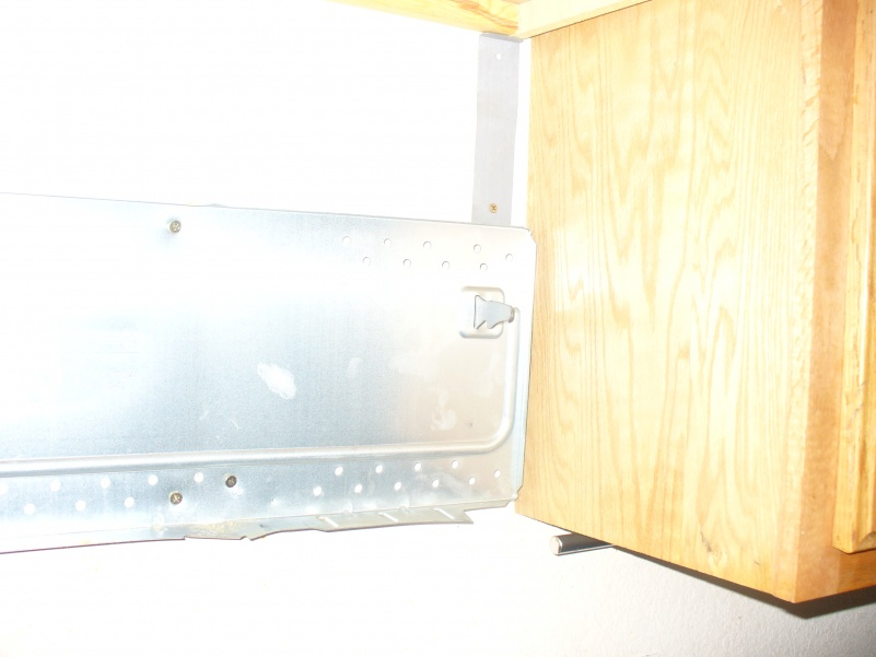 Installing new over the range microwave-old-mount.jpg