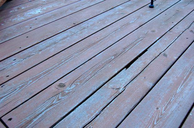 Refinishing / Repairing Deck: Screws vs. Nails?-old_deck3.jpg