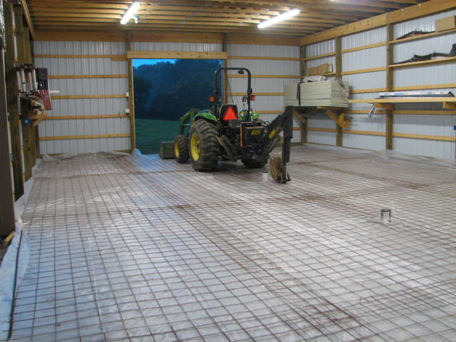 Concrete Slab Pour - 35 Yards-oldbarncement.jpg