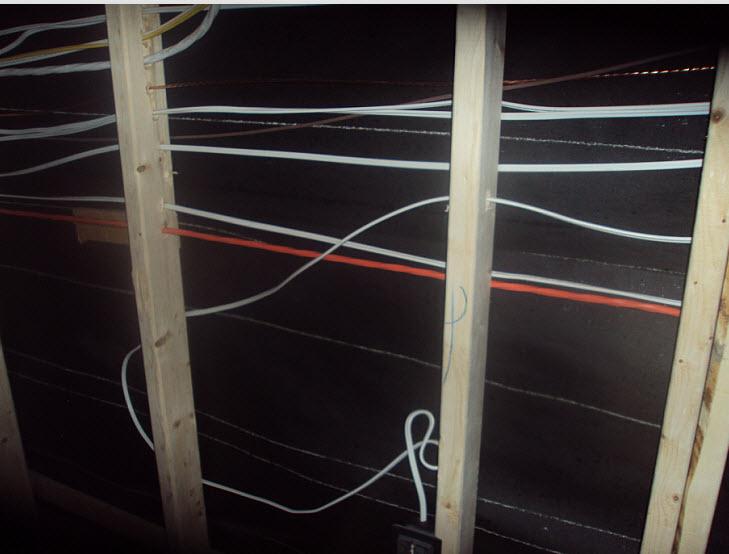 Wiring behind studs-outlet.jpg