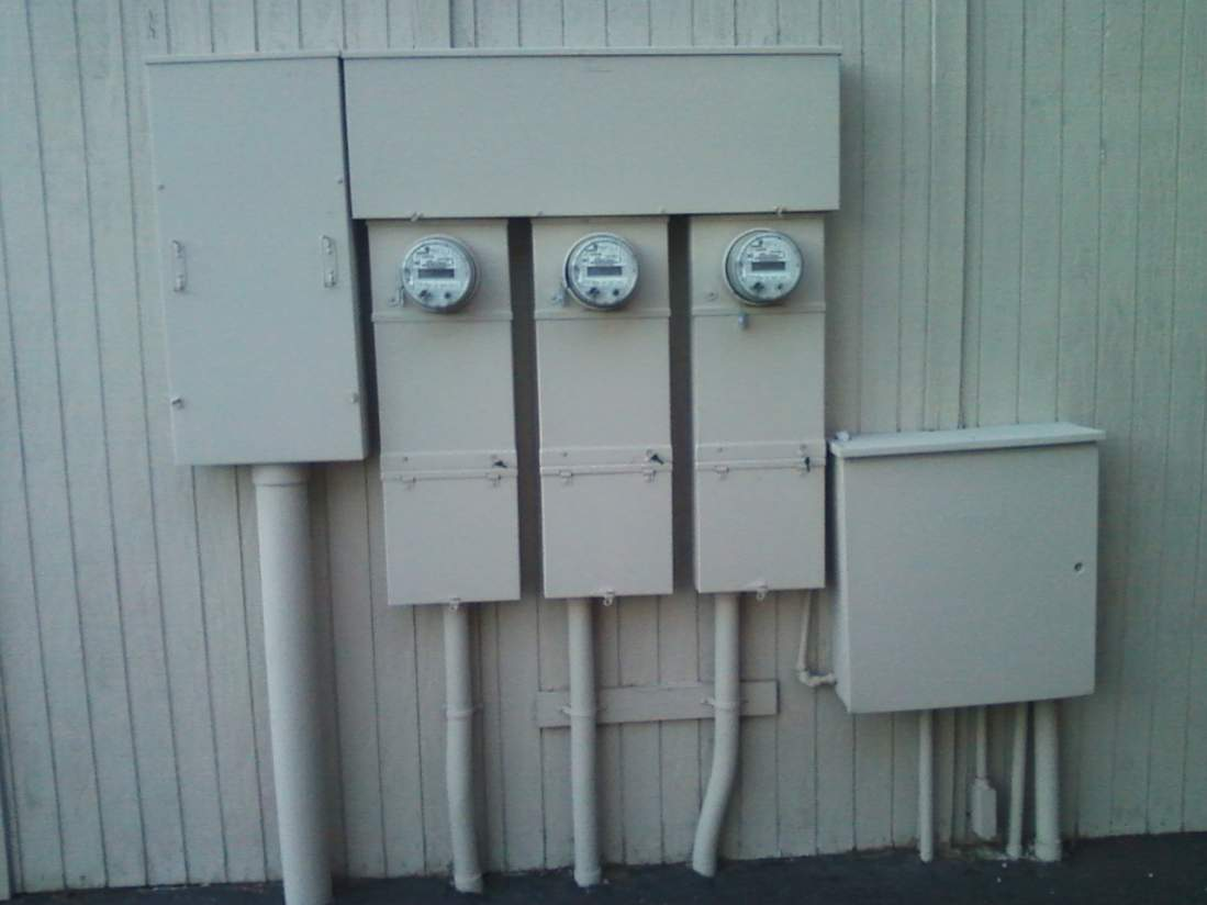 Anyone Know If This is 3 Phase?-outside-panels.jpg