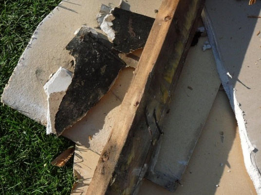 exterior sheathing - keep it or replace it?-outside-reno-09-023.jpg