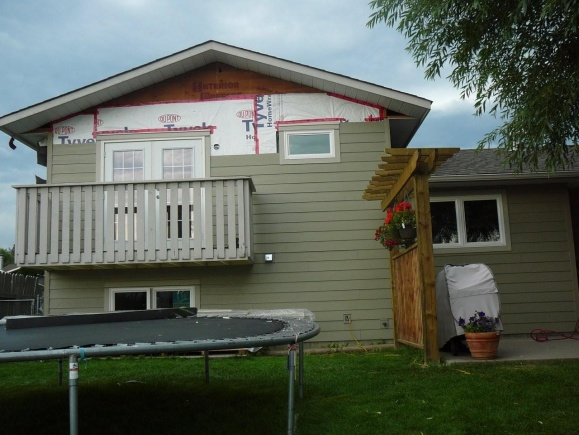 new hardi siding and windows - what have I started? aargh!-outside-reno-09-025.jpg