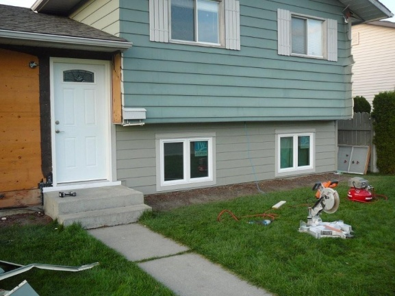 new hardi siding and windows - what have I started? aargh!-outside-reno-09-034.jpg