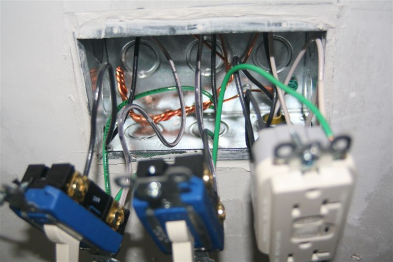 Switch Box / Outlet Photos (with mid wire skining)-overview-box.jpg