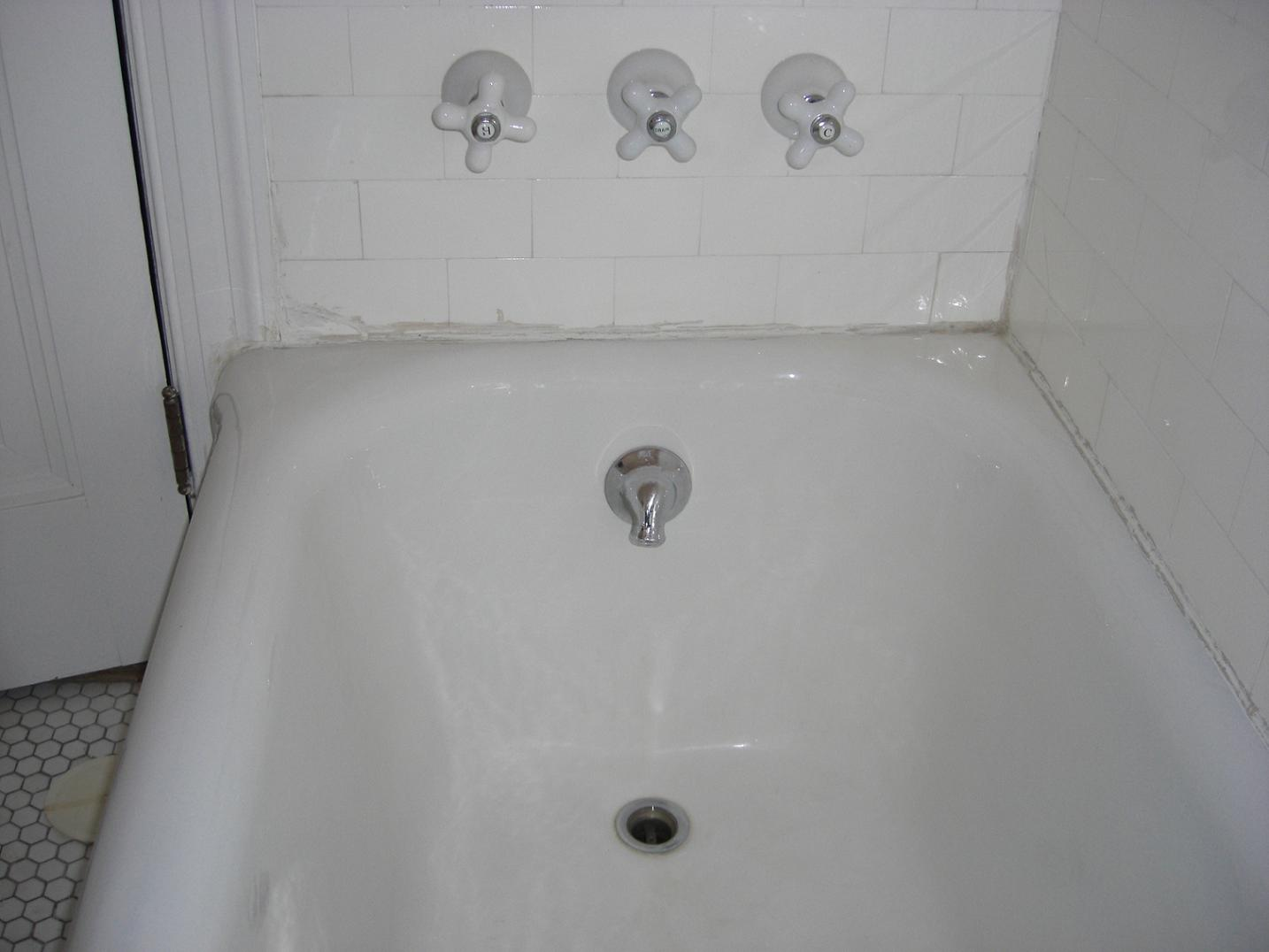 Need help with slow draining bathtub-overviewtub.jpg