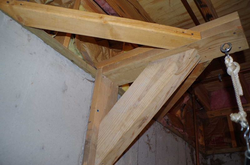 Hanging 70 Lb Heavybag Punching Bag From Ceiling Joists