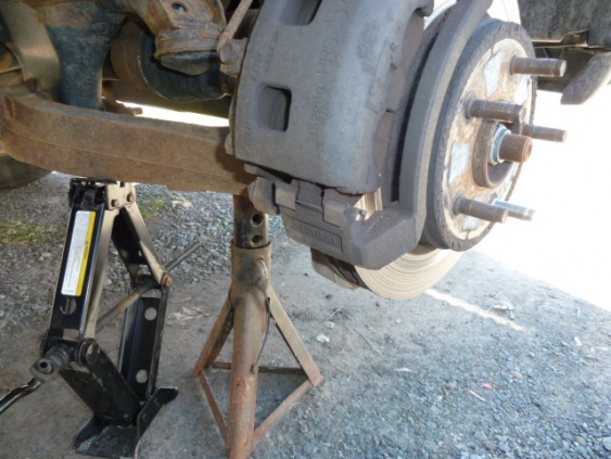 2005 Dodge Ram 1500 Brake Job-p1000387.jpg