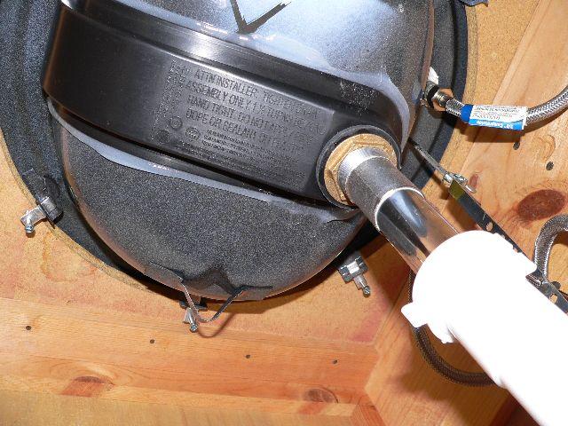 How do you seal plastic overflow drain hole on bathroom sink?-p1000658-s.jpg