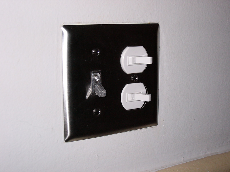 Help me ID these switches...-p1010040.jpg