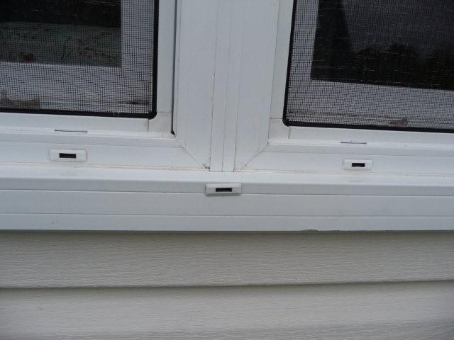 Leaking Vinyl Windows in 7 year old home-p1010144.jpg