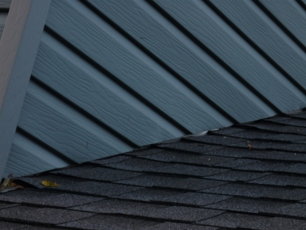 Caulk Whre The Roof Meets The House Roofing Siding