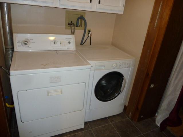 Laundry Room Renovations-p1010682.jpg
