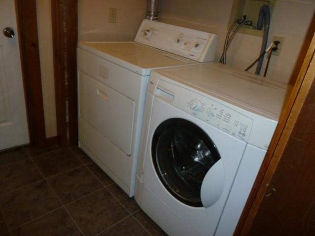 Laundry Room Renovations-p1010686.jpg