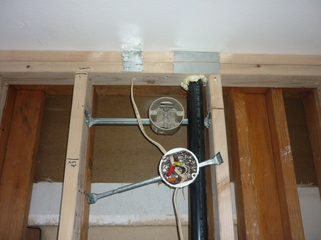 Vanity fixture box and drywall-p1030094.jpg