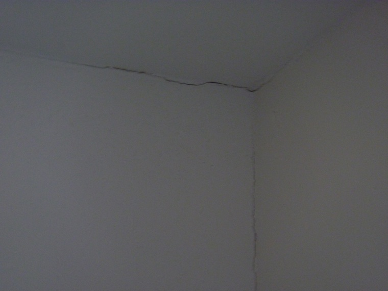 Multiple problems with new drywall installation-p1030201.jpg