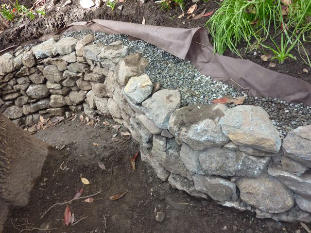 How to Finish Top of Retaining Wall-p1030447.jpg