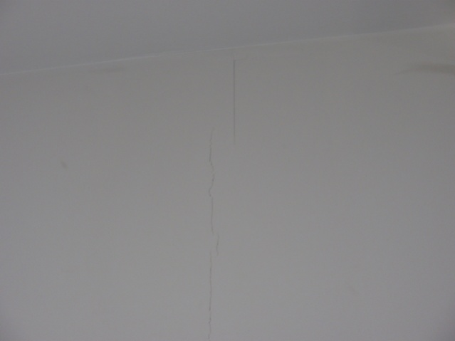 drywall cracking at seams in family room-p1160004.jpg