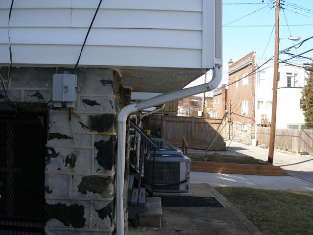 sagging kitchen off back of house-p3020031.jpg