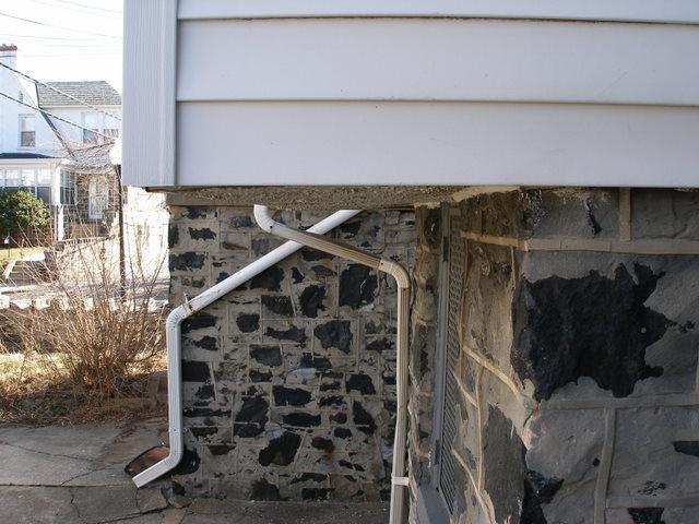 sagging kitchen off back of house-p3020032.jpg