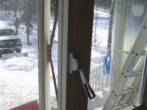 Has anyone seen this type of window hardware/opener before?-p3190002.jpg