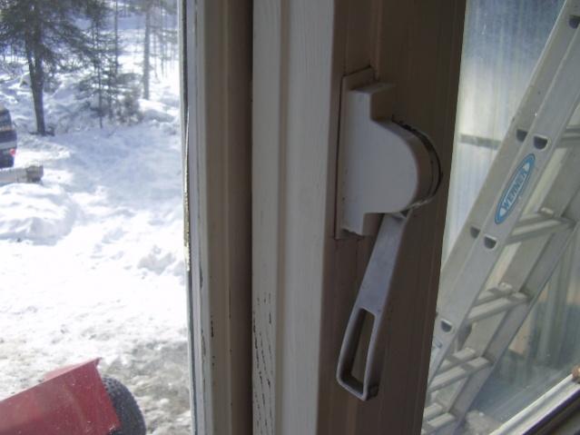 Has anyone seen this type of window hardware/opener before?-p3190003.jpg
