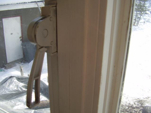 Has anyone seen this type of window hardware/opener before?-p3190005.jpg