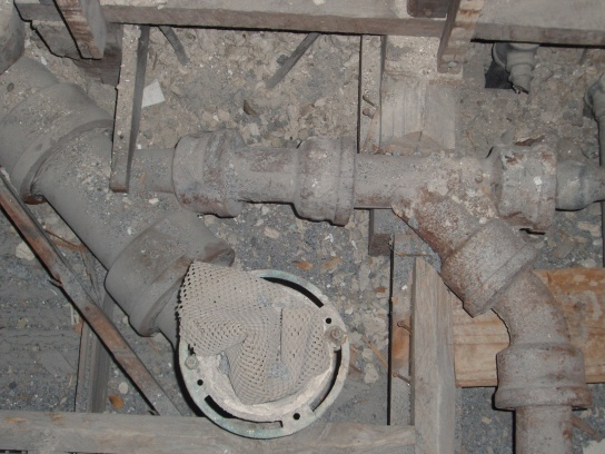 new drain pipes to old drain pipes-p3220016.jpg