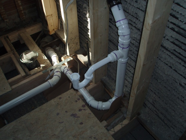 new drain pipes to old drain pipes-p4120033.jpg