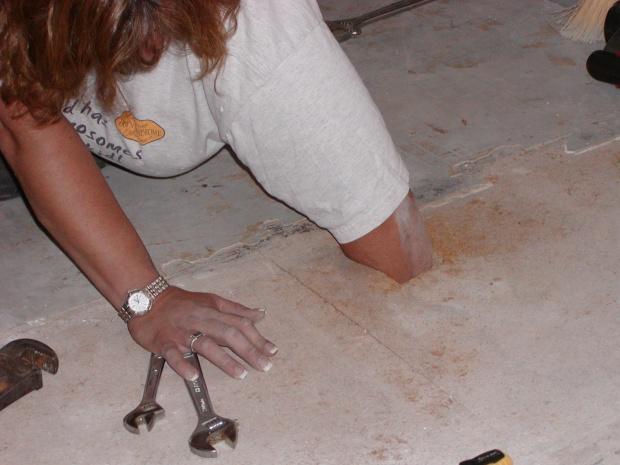 Laminate flooring over linoleum and particle board-p6050172.jpg