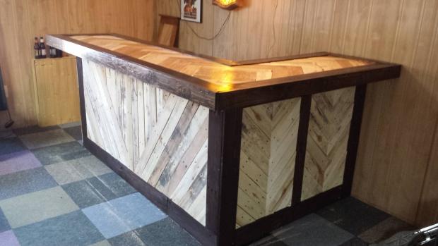 Rec room Bar ideas-pallet-bar.jpg