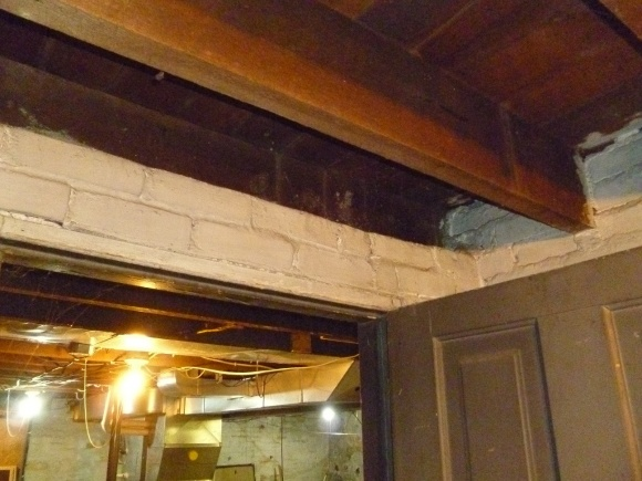 Load Bearing wall or not-parallel.jpg