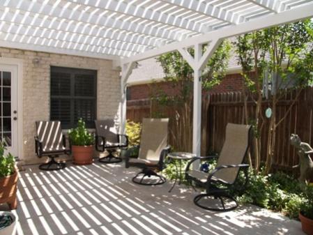 Permit needed for pergola/lattice?-patio-pergola-close-fence.jpg