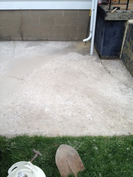 Help needed with concrete repair!!! Thanks!!!-patio2.jpg