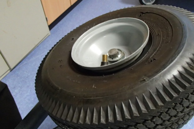 Seat a Tubeless Tire on a Dolley or lawnmower, ect...-pb010260.jpg