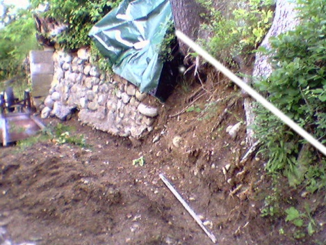 Retaining Wall Responsibility-photo-0055_2.jpg