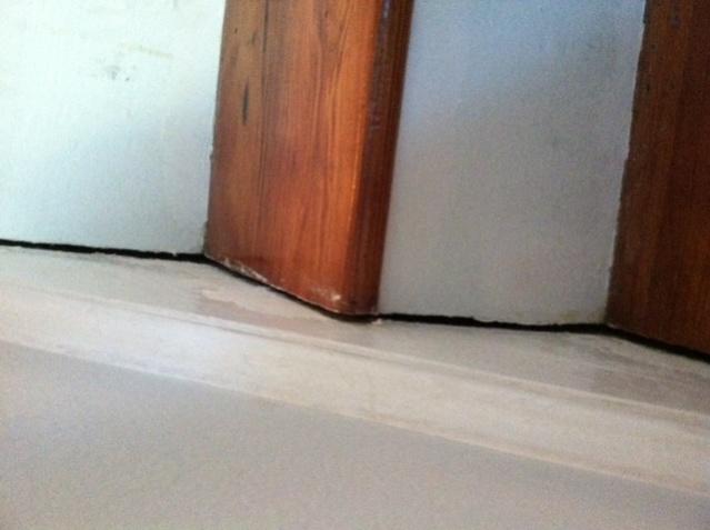 Question regarding gap between stair tread and skirt-photo-2-.jpg