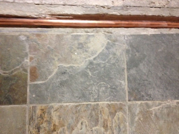 Getting Tile Up Wothout Damaging-photo-2.jpg