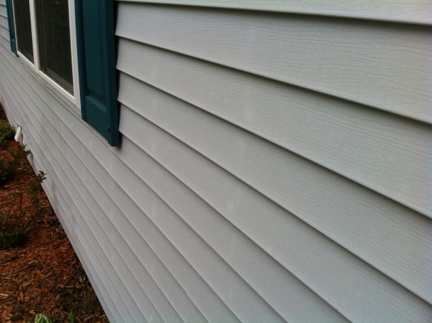 Vinyl siding, white spots?-photo-3.jpg