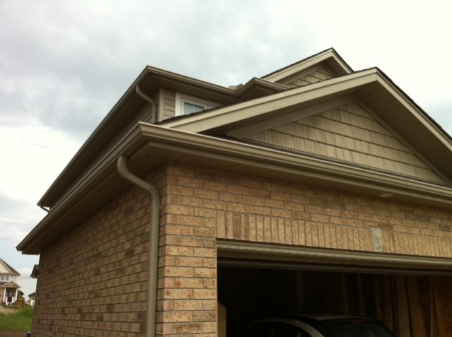Wholes the builder cut into the inside garage walls?-photo-3.jpg