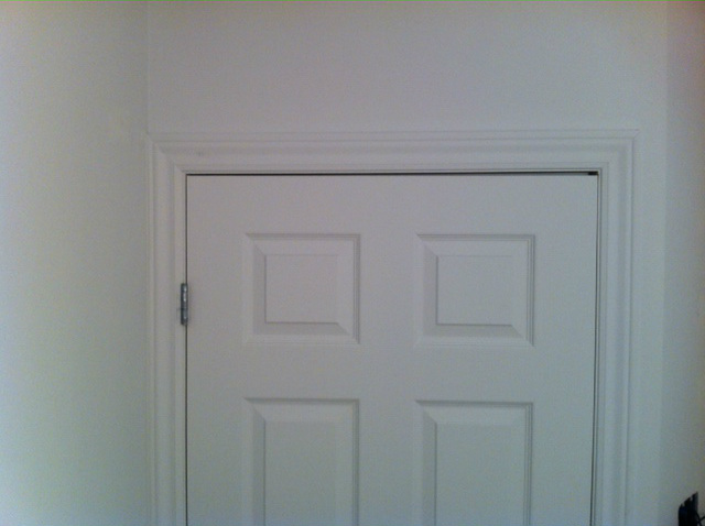 Interior door uneven at the top (door doesn't latch)-photo-3.jpg