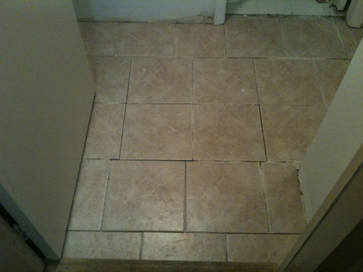 Floor tiles - does this look right?-photo-5-.jpg