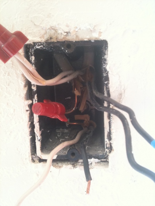 Strange Wiring In Light Switch-photo.jpg