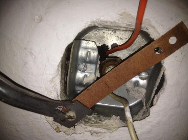 Ceiling Fan Wiring Problem-photo.jpg