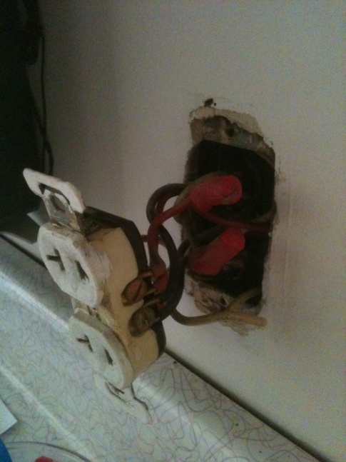 2 prong to 3 prong outlets - need help!-photo.jpg