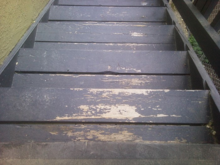 Best Heavy Traffic Exterior Paint For Wood Stairs? - Painting ...